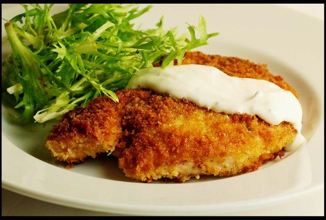 Easy Homemade Pork Schnitzel - Chez Us