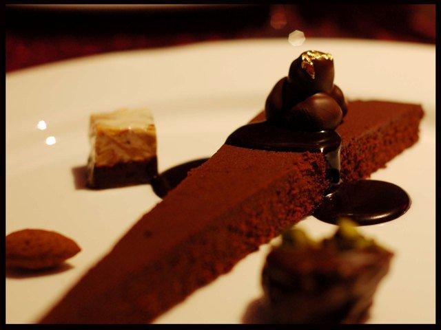 bittersweet-chocolate-cake-with-perugian-chocolates