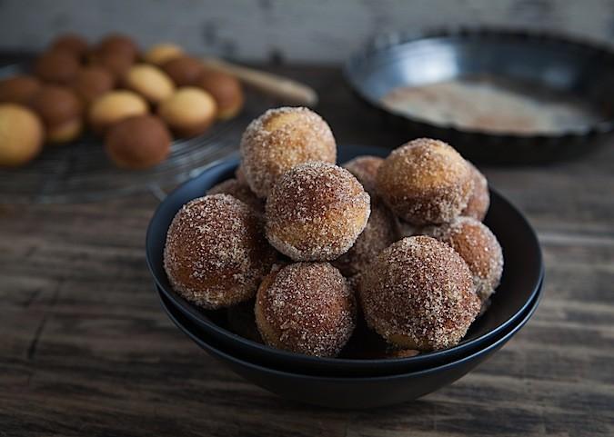 Baked Doughnut Holes - Chez Us