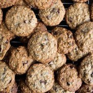 Cherry Chocolate Chunk Oatmeal Cookies  |  Chez Us