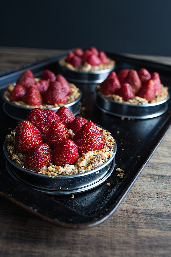 Vegan Hazelnut Strawberry Tarts
