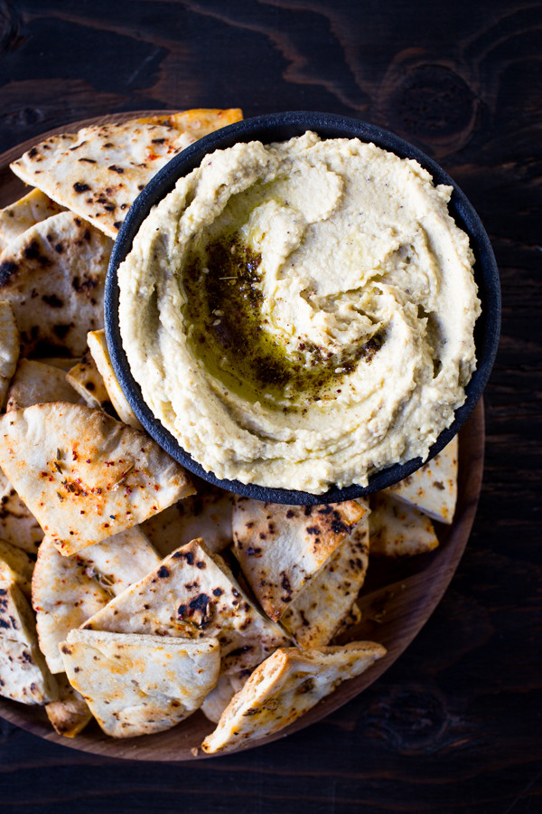 Buttery Zahtar Hummus